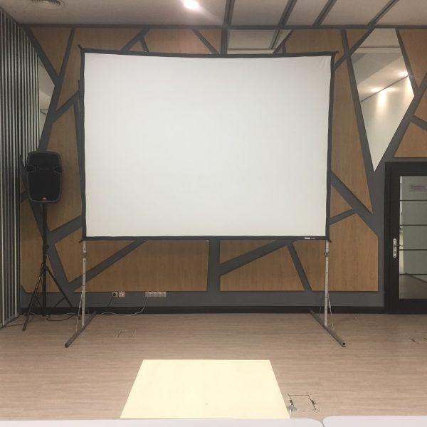 экран для проектора обратной проекции